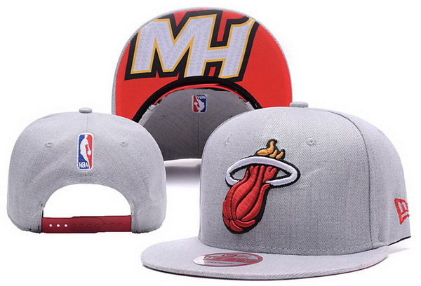 2017 NBA Miami Heat Snapback; 0415 XDFMY