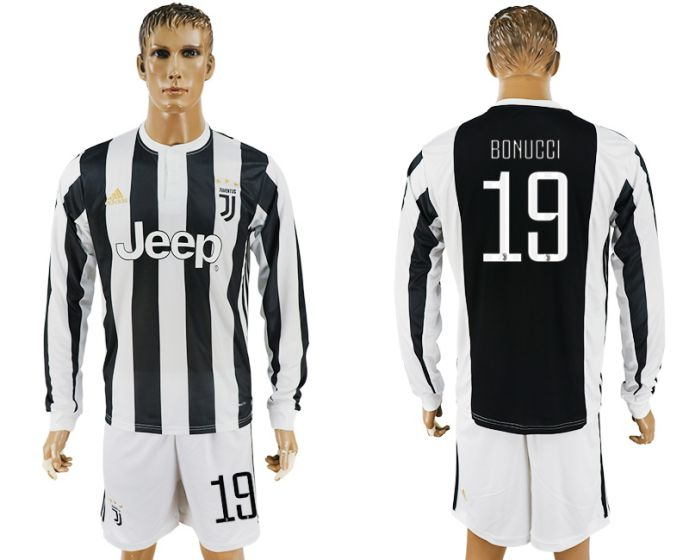Men 2017-2018 club Juventus home long sleeves 19 soccer jersey