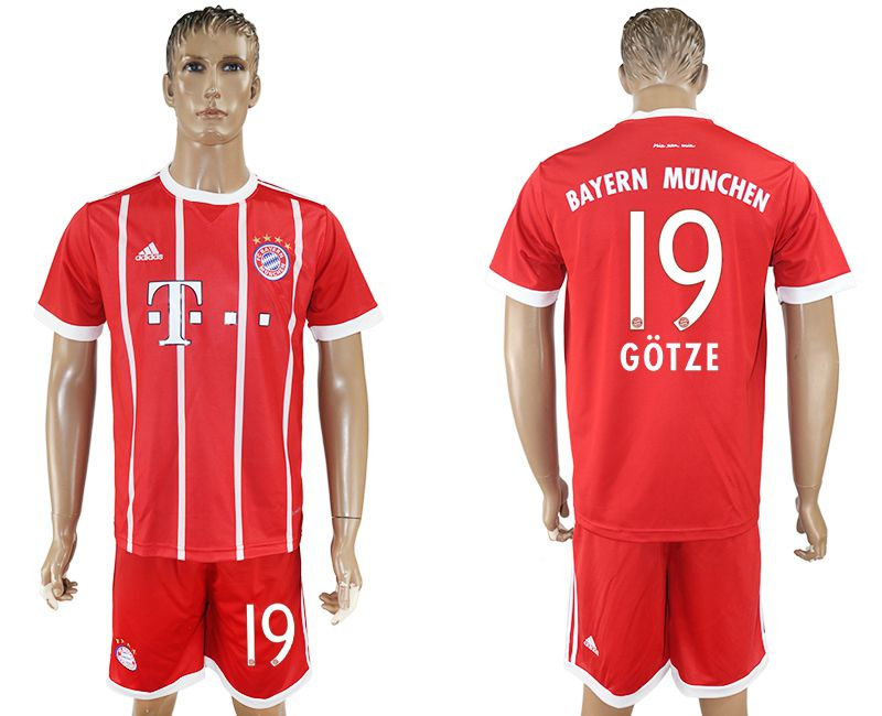 Men 2017-2018 Club Bayern Munich home 19 red soccer jersey