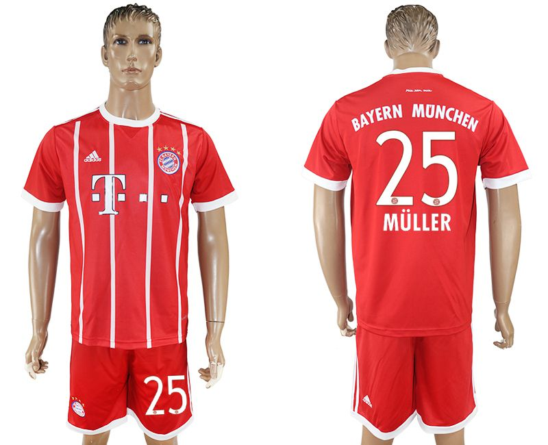 Men 2017-2018 Club Bayern Munich home 25 red soccer jersey