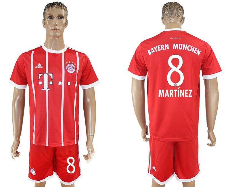 Men 2017-2018 Club Bayern Munich home 8 red soccer jersey