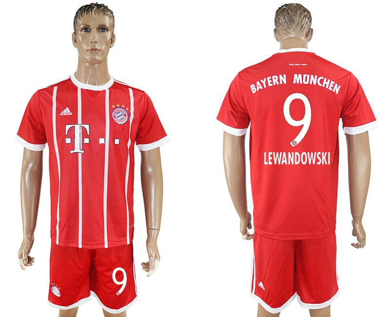 Men 2017-2018 Club Bayern Munich home 9 red soccer jersey