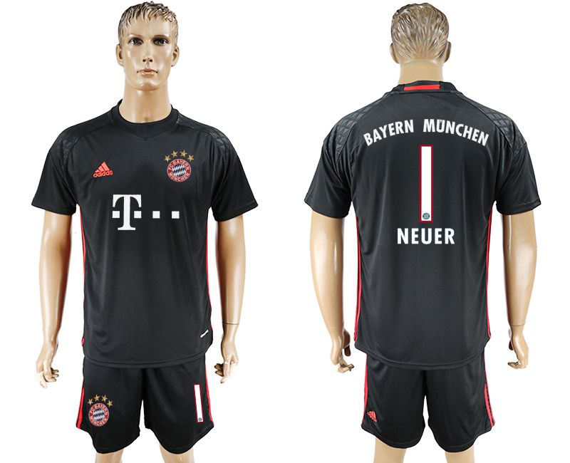 Men 2017-2018 club Bayern Munich goalkeeper 1 black soccer jersey