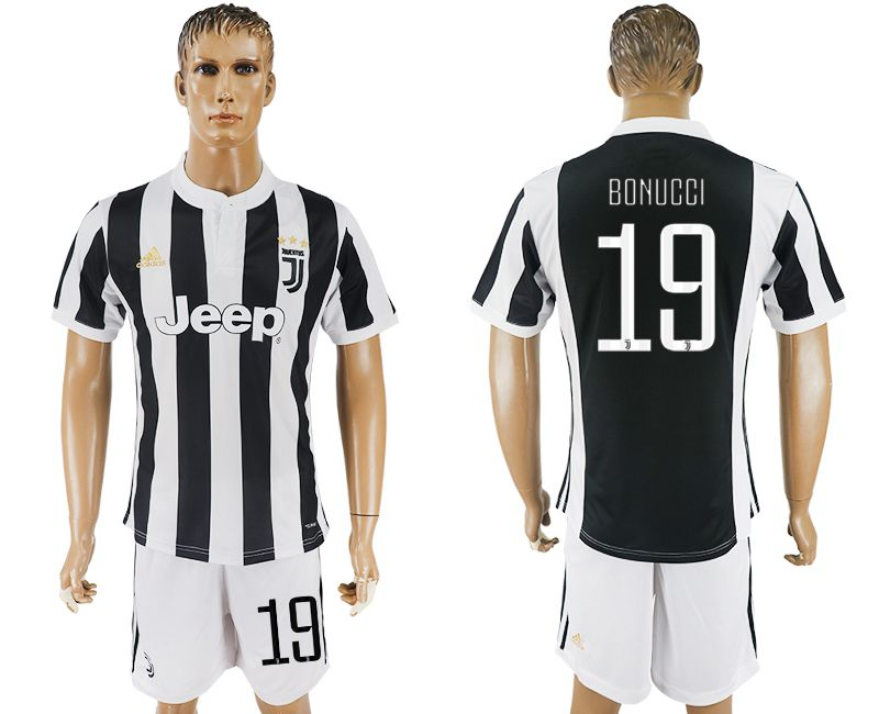 Men 2017-2018 club Juventus home 19 black white soccer jersey