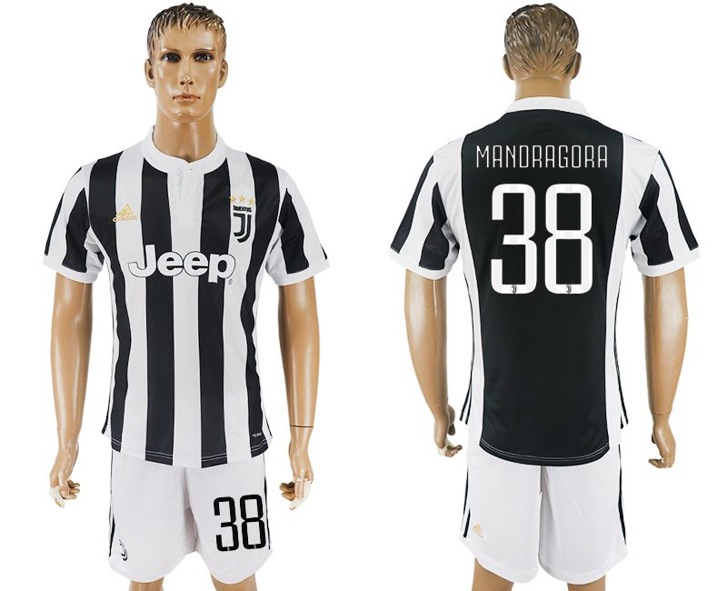 Men 2017-2018 club Juventus home 38 black white soccer jersey