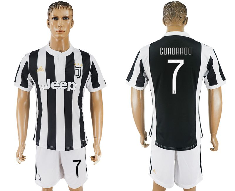 Men 2017-2018 club Juventus home 7 black white soccer jersey