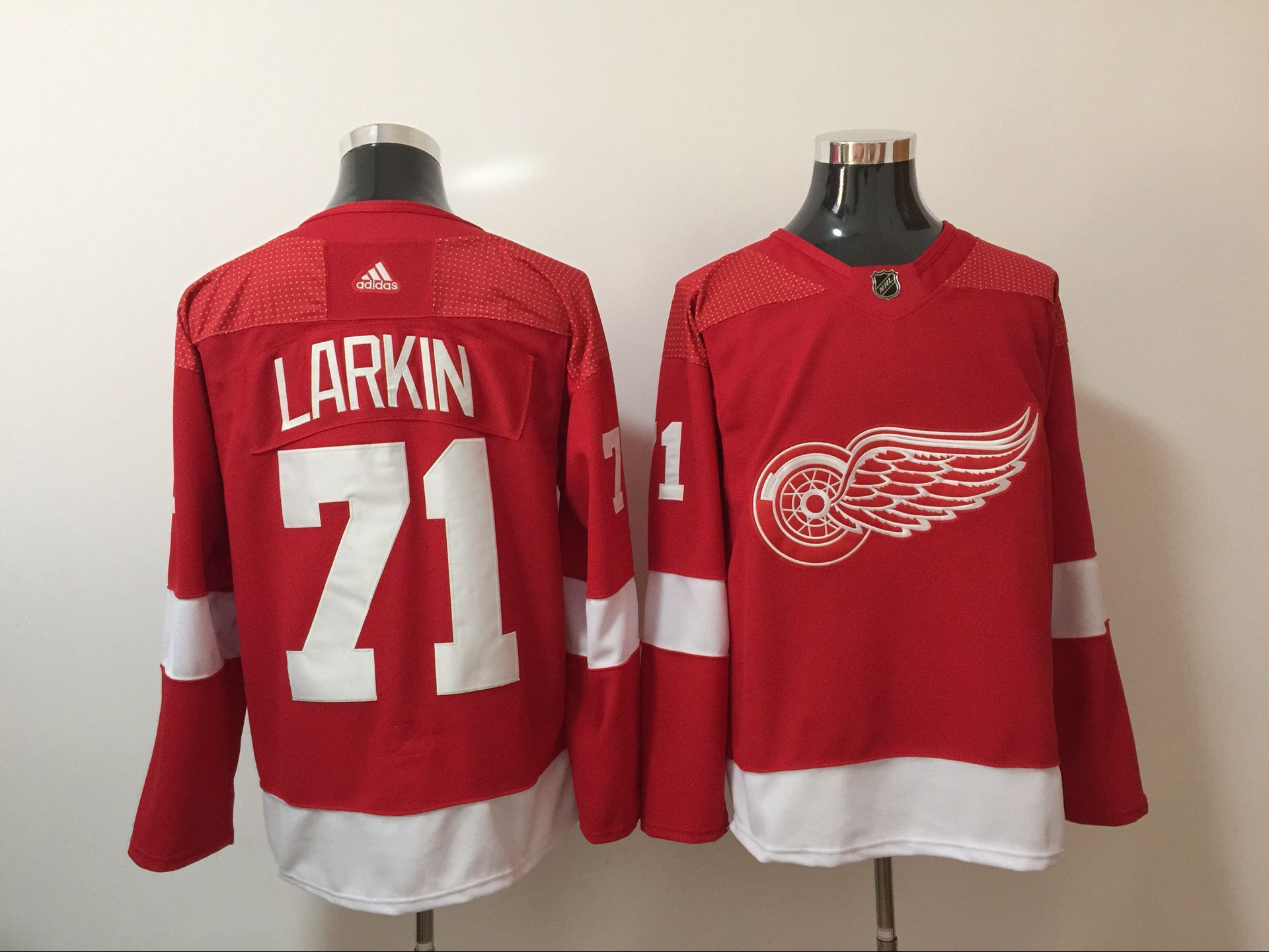 Men Detroit Red Wings 71 Dylan Larkin Red Hockey Stitched Adidas NHL Jerseys
