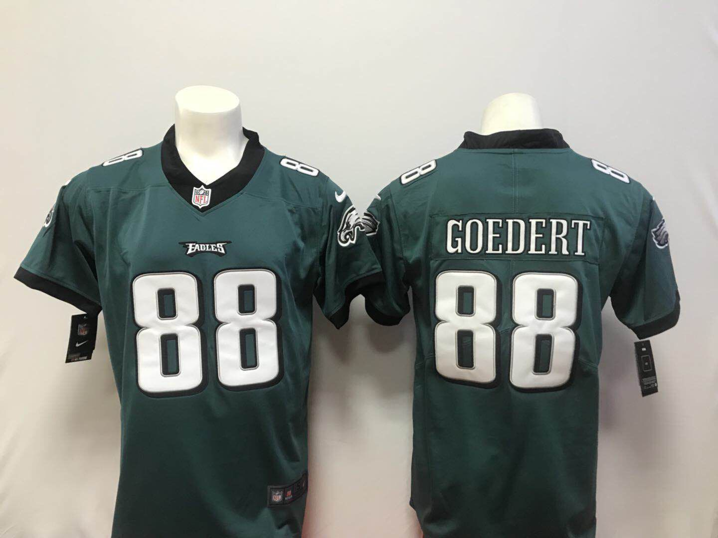 Men Philadelphia Eagles 88 Goedert Green Vapor Untouchable Player Nike Limited NFL Jerseys